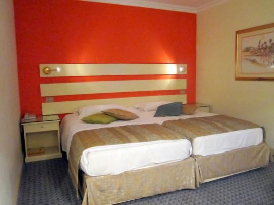 Movenpick   bungalow beds