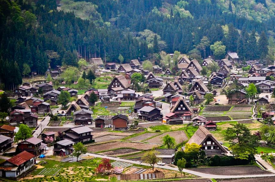 Shirakawa-go Japan  city photos : Shirakawa go & Japan's 2nd Longest Toenail GQ trippin