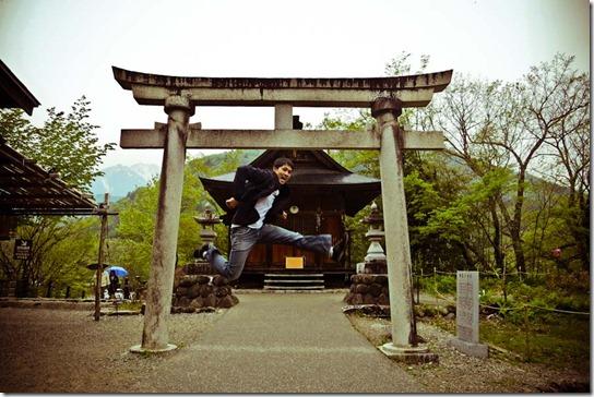 shirakawago-jumping